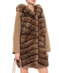 Płaszcz z futrem z sobola