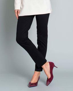 Czarne spodnie w kant