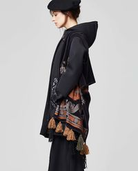 Ponczo/szal Embroidery