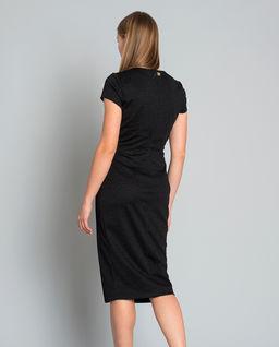 Brokatowa sukienka z wycięciem