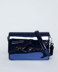 Niebieska torebka z logo