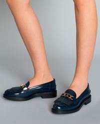 Metalické loafery