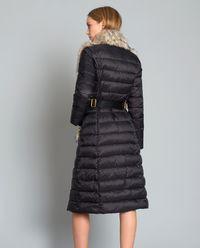 Czarna pikowana kurtka z futrem