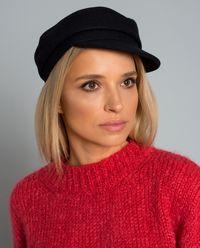 Černá vlněná čepice s kšiltem