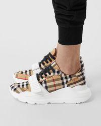 Sneakersy w kratę