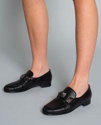 Loafery z nitami