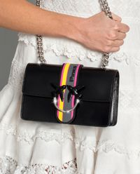 Skórzana torebka z kontrastowym zapięciem Mini Love Sport Catena