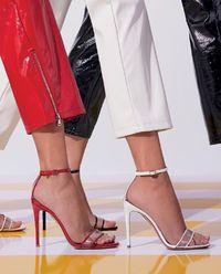 Transparentní sandály na jehle