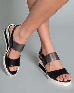Sandały ze skóry na koturnie