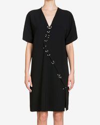 Sukienka z metalową aplikacją