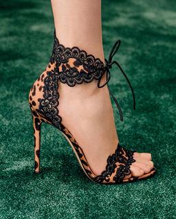 Sandały z koronką Evie