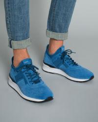 Niebieskie sneakersy z zamszu