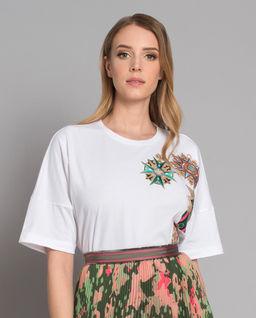 T-shirt z haftem