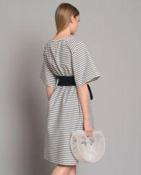 Suknia w paski z wiązaniem