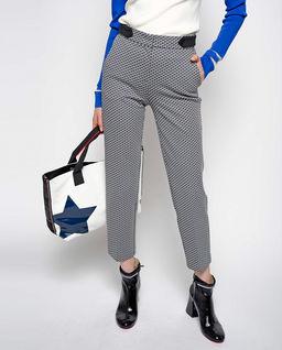 Spodnie w geometryczny wzór