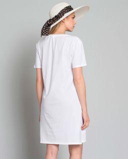 Sukienka plisowana z logo marki