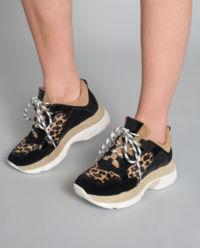 Sneakersy z motywem panterki