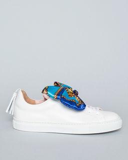 Sneakersy z kokardą
