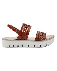Sandały z ażurową aplikacją