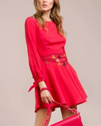 Sukienka z wiązanymi wstążkami