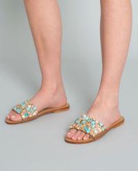 Sandały z kamieniami