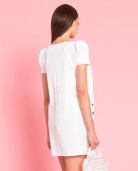 Sukienka z haftowaniem
