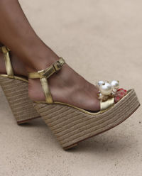 Sandały na koturnie Guadeloupe