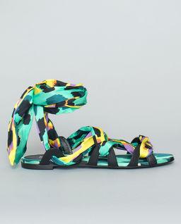 Wielokolorowe sandały z wiązaniem