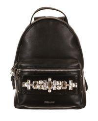 Czarny plecak z kamieniami ozdobnymi
