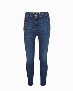 Jeansy skinny z logowanymi guzikami