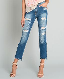 Jeansowe spodnie z przetarciami