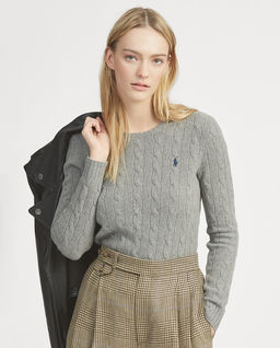Šedý svetr s příměsi kašmíru