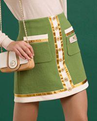 Zielona spódnica z logo