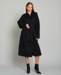 Czarny wełniany płaszcz