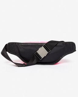 Růžová kabelka kolem pasu