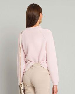 Różowy sweter ze srebrną nicią