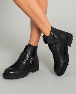 Černé kožené boty