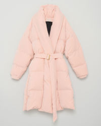 Pudrowy płaszcz puchowy