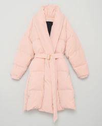 Pudrový péřový kabát