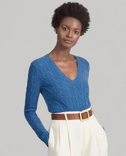 Modrý svetr s příměsi kašmíru