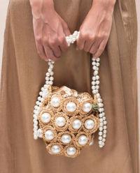 Torebka na ramię z perłami
