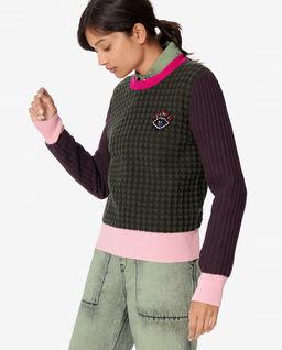 Sweter z ozdobnym okiem