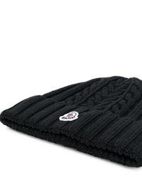 Czarna czapka z wełny