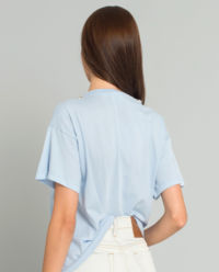 Niebieski t-shirt z motywem psa