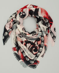 Šátek s lebkami