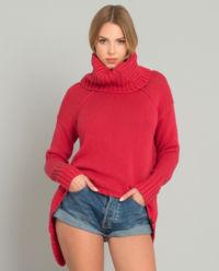 Czerwony sweter z golfem