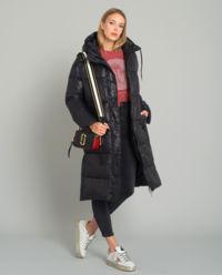 Czarny płaszcz puchowy z logowaniem