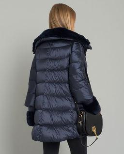 Péřový kabát s kožešinou