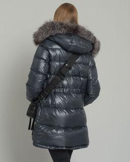 Péřová bunda s kožešinou