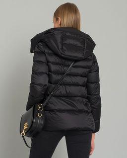 Černá peřová bunda